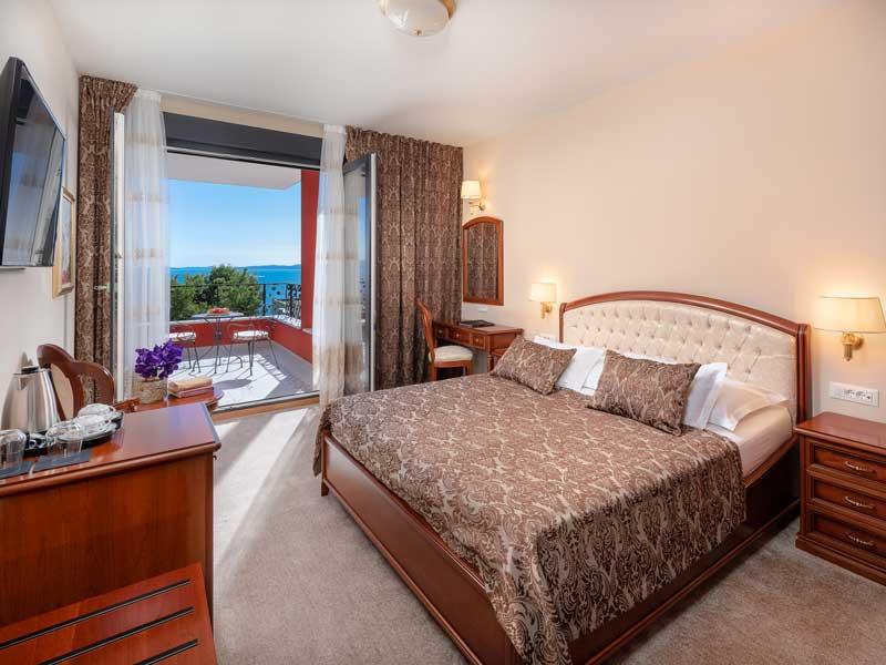 Luxury_accommodation