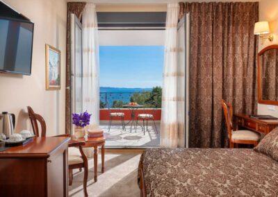 superior_room_balcony_3